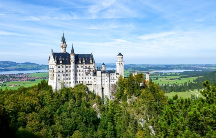 Neuschwanstein Castle view from the bridge   10 Crucial Tips to Visit Neuschwanstein Castle Skillfully and Worry-Free   Tips for visiting Neuschwanstein Castle in Bavaria, Germany   Neuschwanstein Castle tour tickets