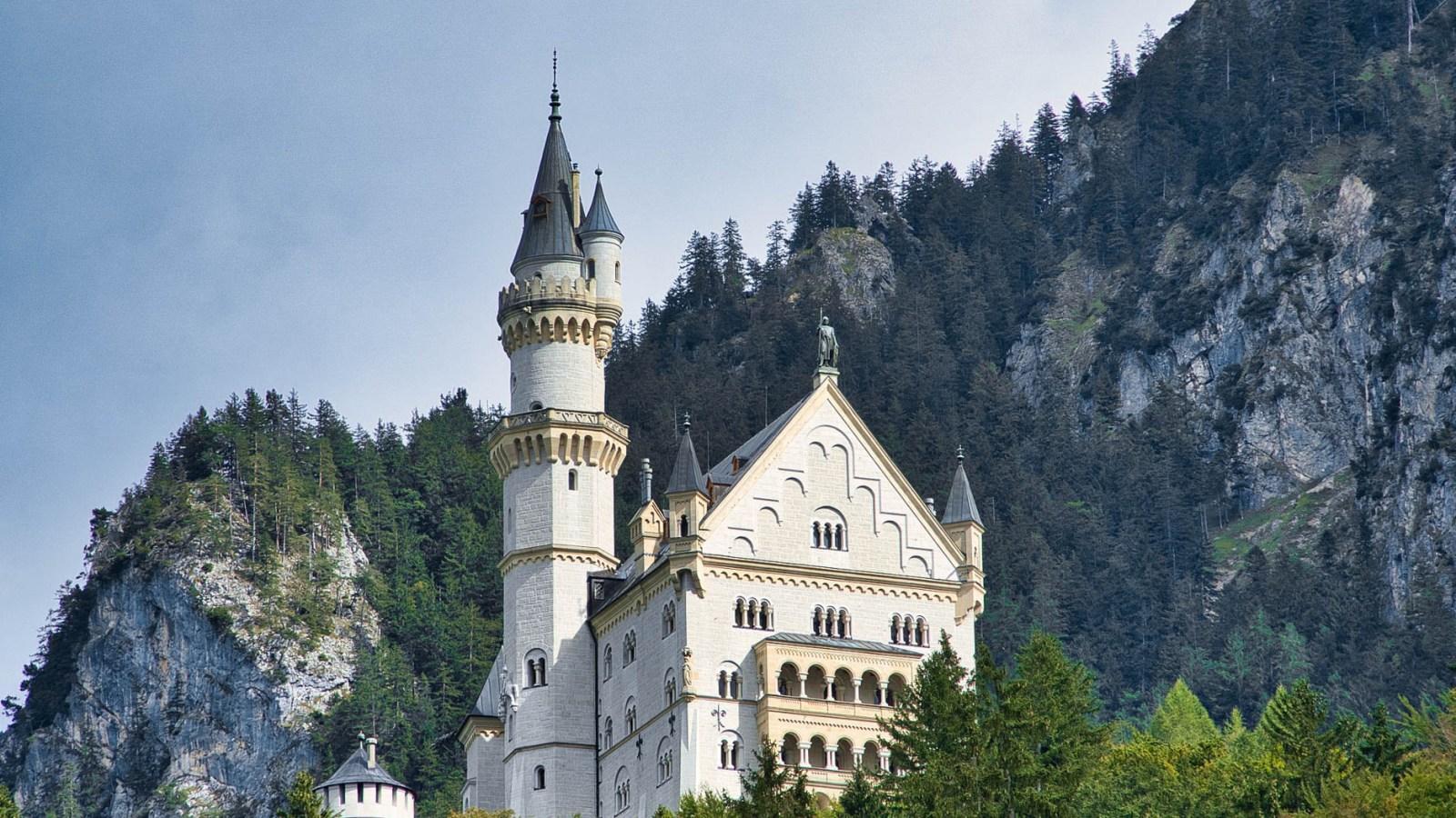 Where to stay near Neuschwanstein Castle: 12 Best Hotels and Airbnbs in Hohenschwangau, Schwangau, and Füssen