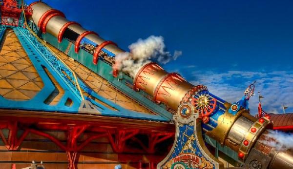 Dermot Devlin goes on Space Mountain at Disneyland Paris ...