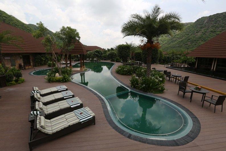 Ananta Spa & Resort Pool Area