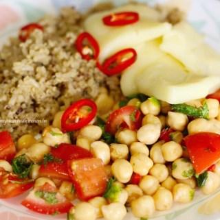 Halloumi, Chickpea salsa and Quinoa salad