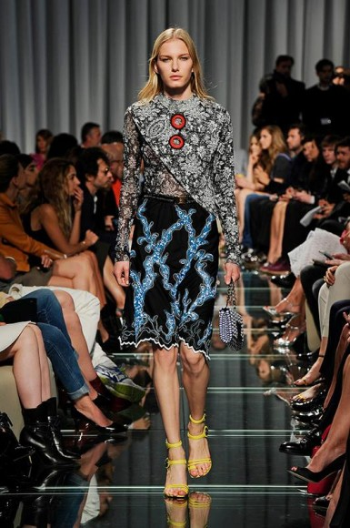 Louis-Vuitton-sfilata-crociera-2015-10-385x580
