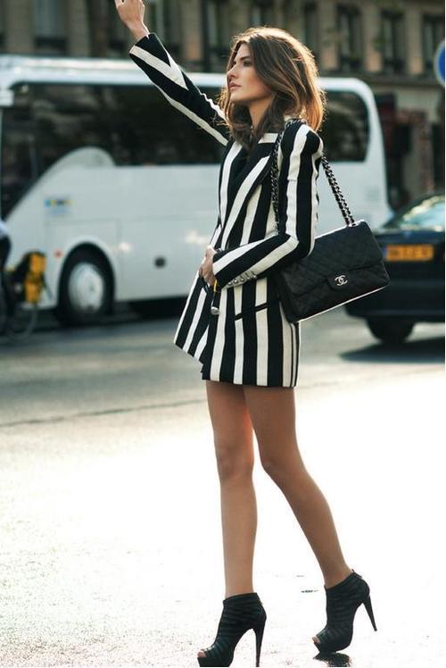 la-modella-mafia-model-off-duty-street-style-in-Balmain-Resort-2013-striped-trend-in-Paris