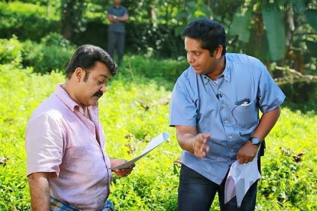 Mohanlal and Jeethu Joseph during shooting of Drishyam