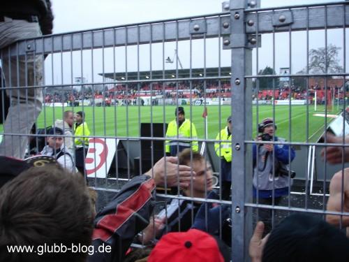 Pascal Bieler beim Abklatschen in Ingolstadt