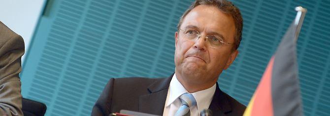 Innenminister Friedrich will die Plakataktion fortsetzen.