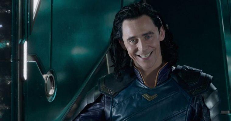 (O Ator Tom Hiddleston interpreta Loki no UCM / Foto: Marvel Studios/Reprodução)
