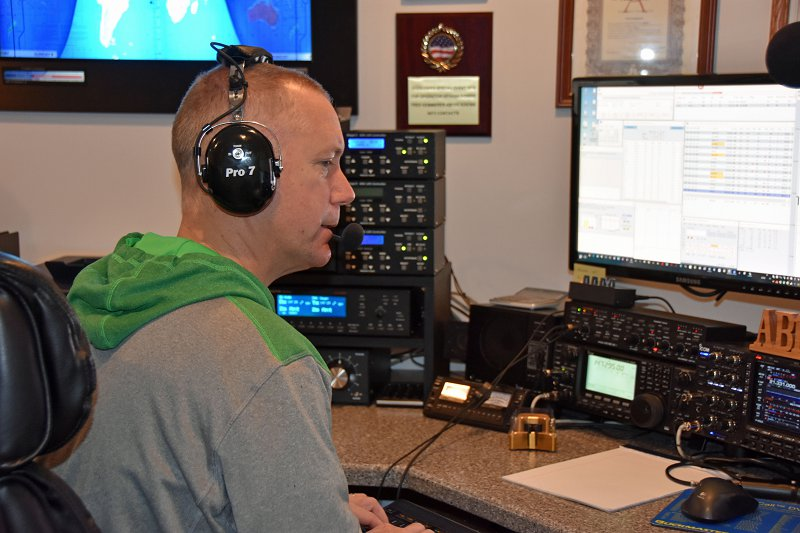 Jamey, KC1ENX Operating in the CW Worldwide DX SSB Ham Radio Contest