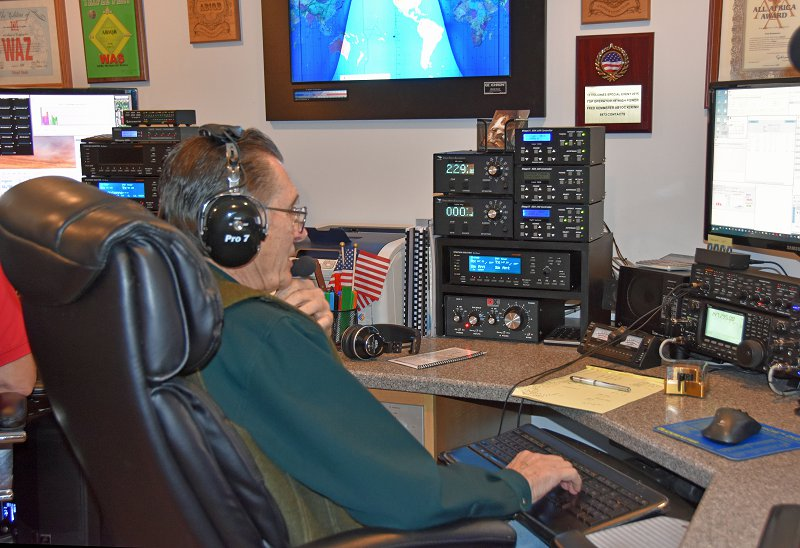 Mike Rush, KU1V Working On Our DXCC In The Contest