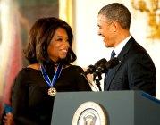 Barack Obama zeichnet Oprah Winfrey mit der Freiheitsmedaille aus