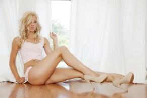 Sexy Girl am Fenster