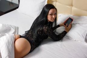 Sexy Girl wartet auf eine Nachricht