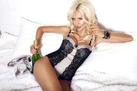 Sexy blondes Partygirl