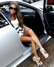 Sexy Girl im Auto