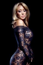 Sexy Girl im transparenten Kleid