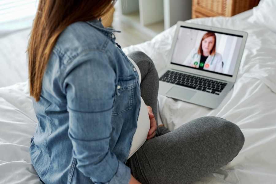 vaginal discharge during pregnancy