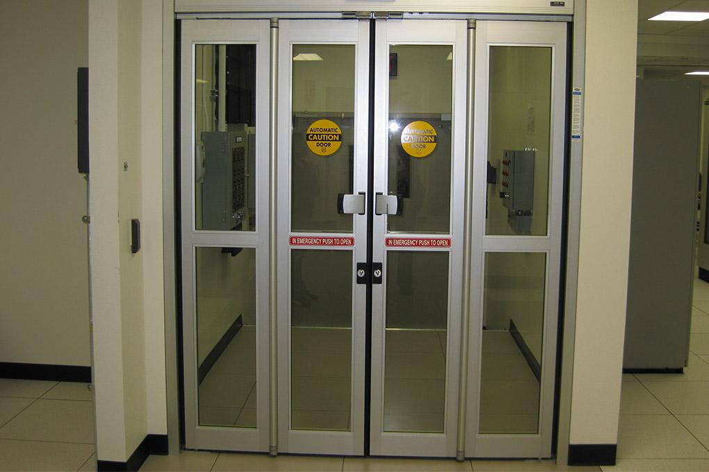 Standard Folding Door NABCO Entrances