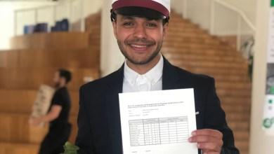صورة طالب سوري يحصل على العلامة الكاملة في الثانوية العامة بعد ثلاث سنوات في الدنمارك