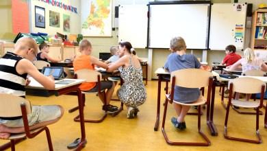 صورة صحيفة دنماركية: تلاميذ الصفوف الدنيا سيعودون إلى المدارس قريبا