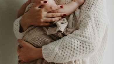 صورة الحكومة تطرح مبادرات تمكنها من تبني الأطفال القسري فور الولادة