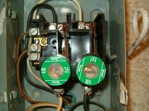 240V circuit fuses  Int'l Association of Certified Home Inspectors (InterNACHI)