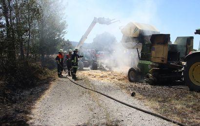 Brand einer Heuballenpresse in Schnaittenbach