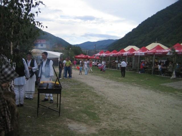 Gura Raului - Folklorefest in den Bergen