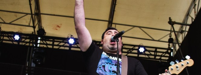 BBs Paranoicos y Rulo en Cosquin Rock: Punk rock y fusión latina para la tarde de domingo de festival