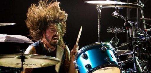 """VIDEO: Mira a Dave Grohl volver a tocar """"In Bloom"""" de Nirvana con una banda de Jazz de Nueva Orleans"""
