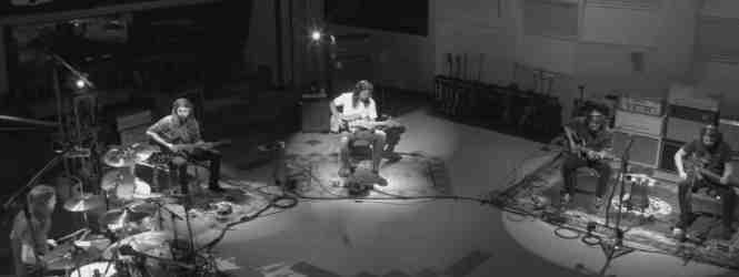 """VIDEO: Mira a Dave Grohl multiplicado en su nuevo tema/documental """"Play"""""""