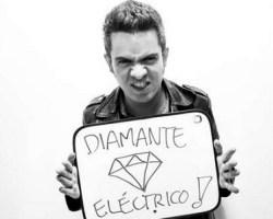 """Entrevista Con Juan Galeano, voz de los colombianos Diamante Eléctrico: """"Queremos empezar a tener una relación con Chile"""""""