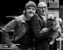 "VIDEO: Lars Ulrich entrevistó a Maynard James Keenan sobre A Perfect Circle y Tool en su programa ""It's Electric!"""