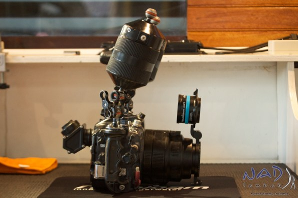 Float Arms slightly forwards compensate the heavy lens and the SMC