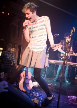 Ezra Furman @ Tractor Tavern by Tori Dickson for Nada Mucho 6