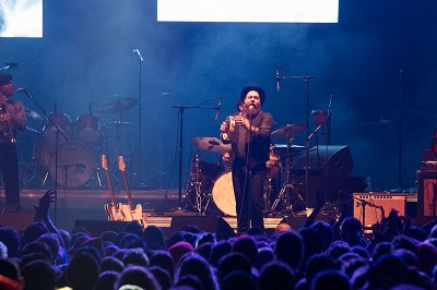 Nathaniel Rateliff and the Night Terrors @ Deck the Hall Ball 2015 by Kyle Davis for Nada Mucho 1