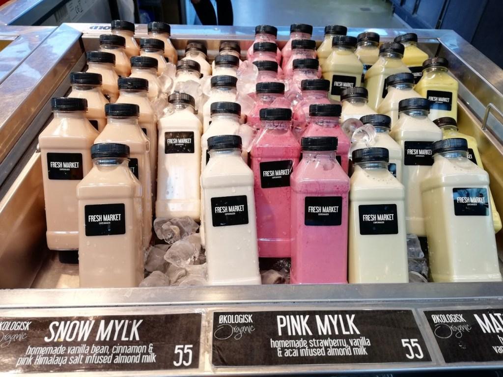 Verschillende soorten drankjes op de fresh market van Kopenhagen