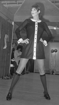Diabolo_minidress_at_Mary_Quant_fashion_show,_Utrecht,_24_March_1969_crop