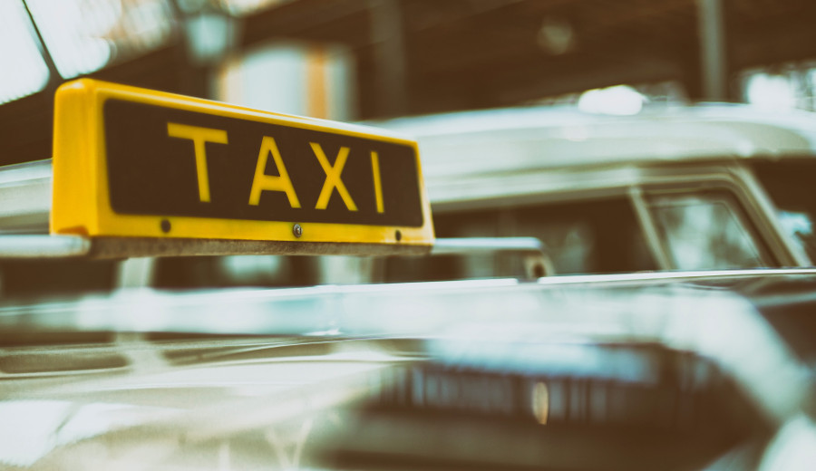 Meet Gaza's first woman taxi driver
