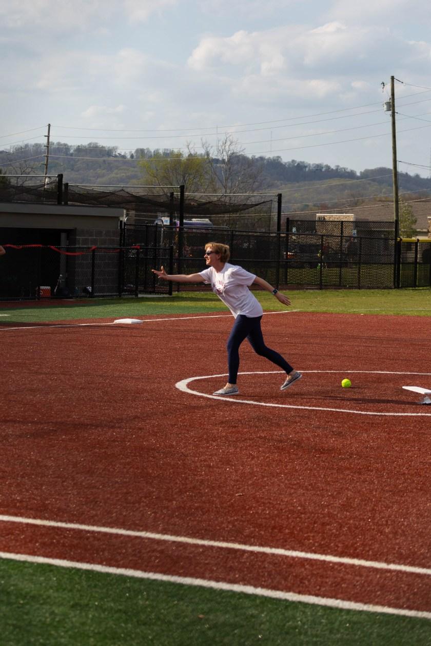Jenny Higbie throws a pitch