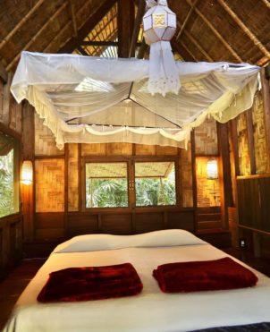 classic bungalow bedroom