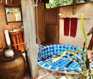 bathtub jungle hut