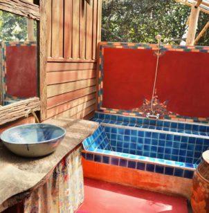 bathroom deluxe bungalow