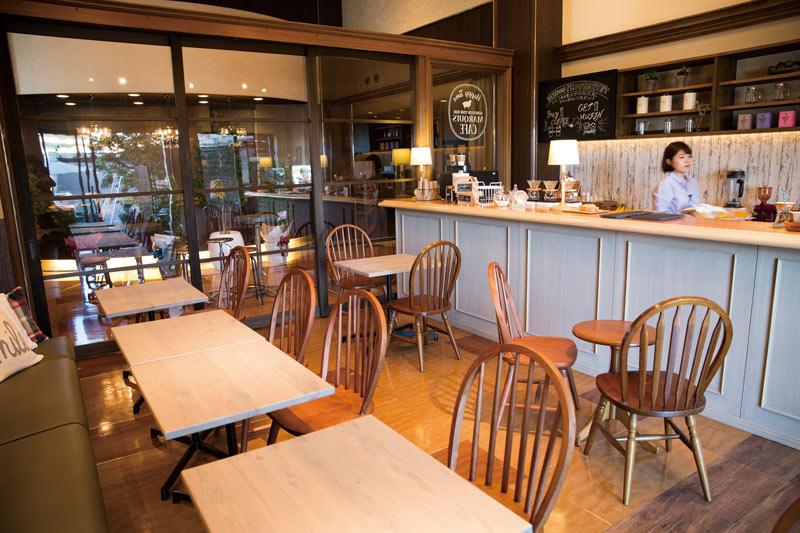 MARQUI'S CAFE2