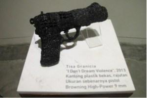 Pistol Plastik