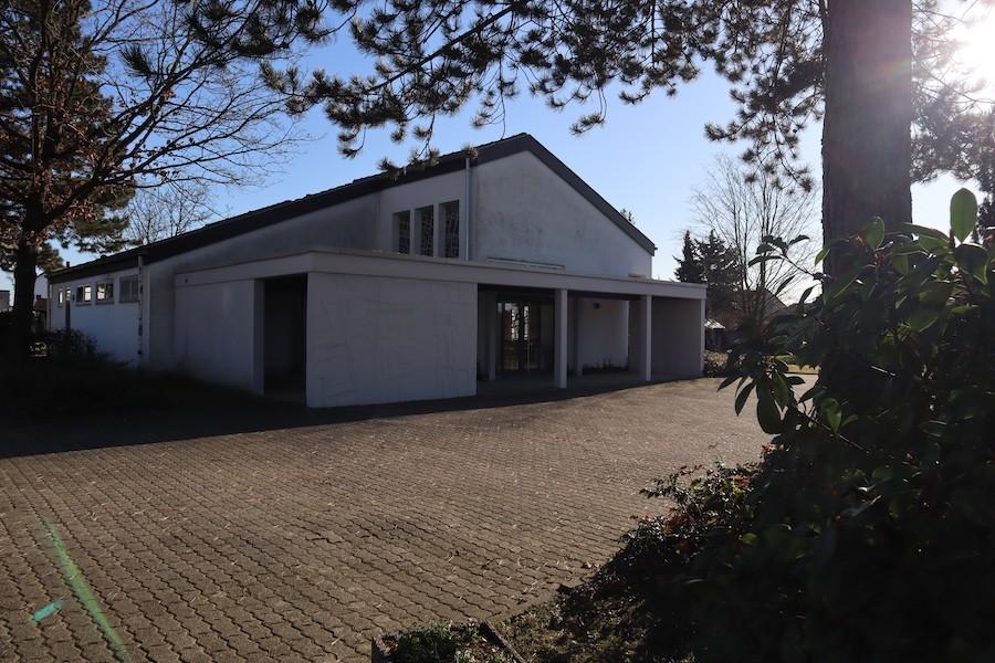Friedhof Hochstetten - Aussegnungshalle außen