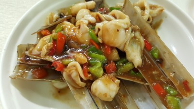 Tai Yuen Shark's Fin Seafood Restaurant - Stir Fried Bamboo Clam with Bean Paste