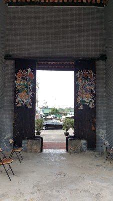 Ping Shan Heritage Trail - Ping Shan Heritage Trail - Yu Kiu Ancestral Hall, Behind the door