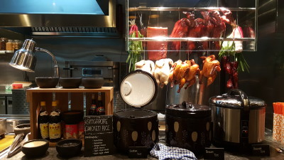 J65 South East Asian Weekday Dinner Buffet - Live Station , Hong Kong Roast and Chicken Rice