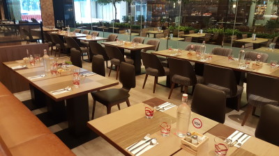 J65 South East Asian Weekday Dinner Buffet - Dinning Area