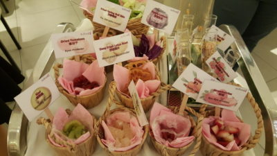 Sufood Singapore Celebrating Mother's Day 2016 At Raffles City, City Hall - Shake up a complimentary customised salad for your mum